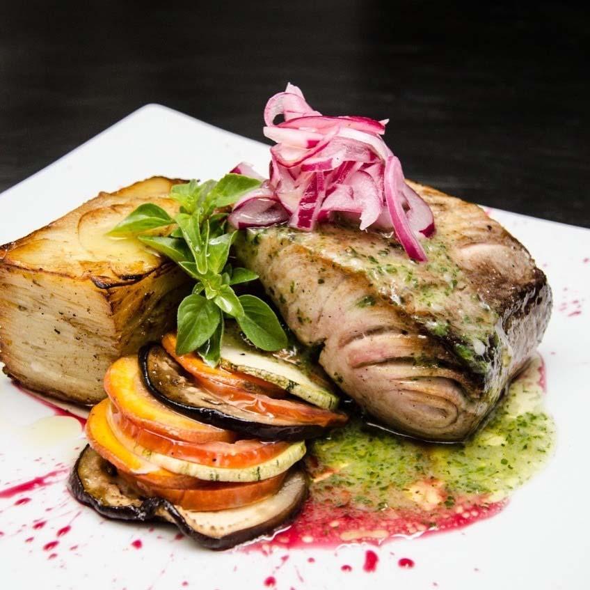 Prato de peixe em restaurante Aprecíe, em Pipa