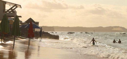 Praia de Pipa ao pôr do sol