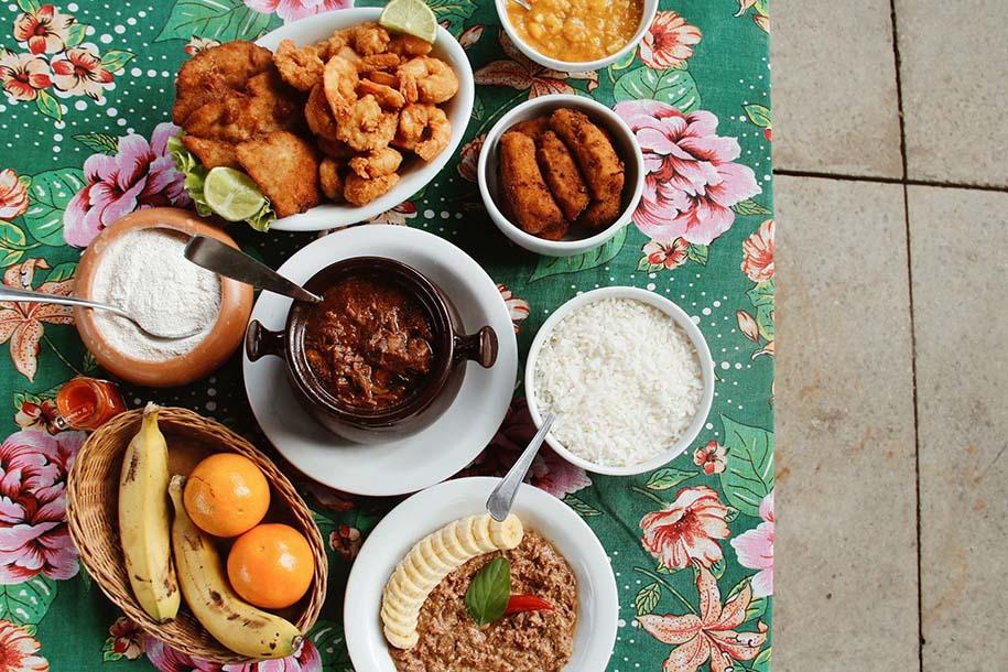 pratos de restaurante em Morretes