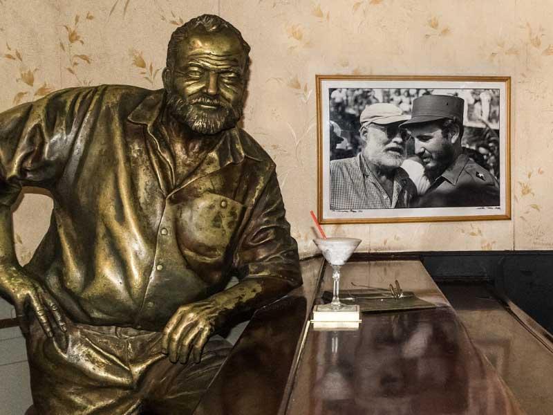 Vai um daiquiri com o Hemingway no Floridita